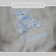 couverture-ultra douce-personnalisée-grise-Liberty adelajda bleu
