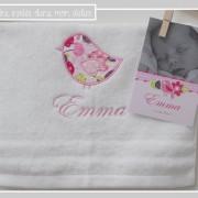 serviette-cadeau de naissance-assorti au faire-part-
