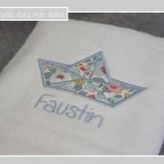 serviette de toilette personnalisée-cadeau de naissance-Liberty betsy porcelaine