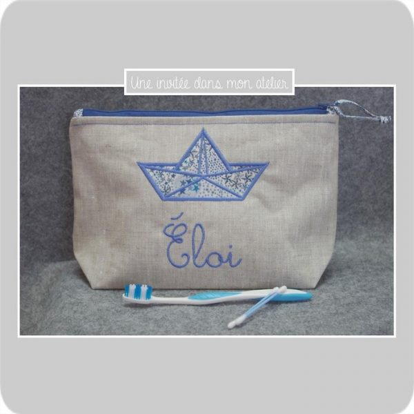 trousse de toilette-lin enduit-doublée piqué de coton-Liberty-adelajda bleu-bateau origami