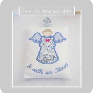 coussin-ange gardien-personnalisé-Liberty adelajda bleu