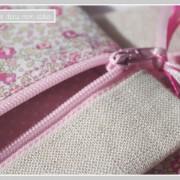 pochette zip-carrée-Liberty Eloïse rose-détails