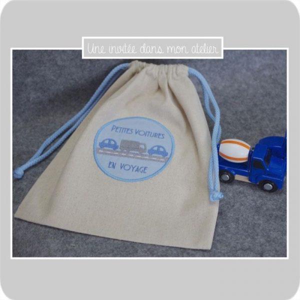 sac-petites-voitures-bleu-cadeau-petit-garcon