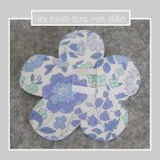 barrette-ou-elastique-fleur-liberty-danjo-bleu