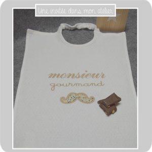 bavoir-elastique-monsieur gourmand-Liberty adelajda brun