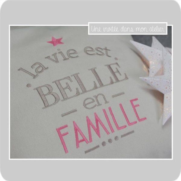 coussin-la vie est belle-en famille-