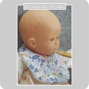 bavoir-poupée-Liberty-betsy denim-une invitée dans mon atelier