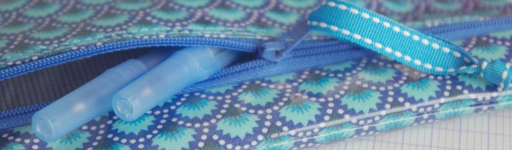 Trousse en tissu enduit
